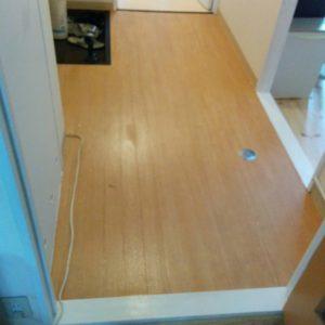 トイレと玄関・洗面所のクッションフロアの張替え