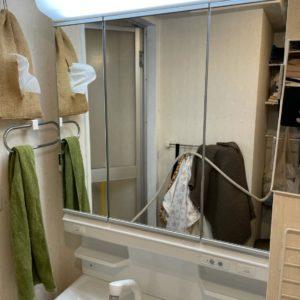 自宅の洗面台の鏡をDIYで三面鏡に変えたよ!